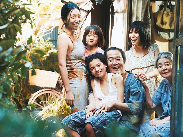 万引き家族-01